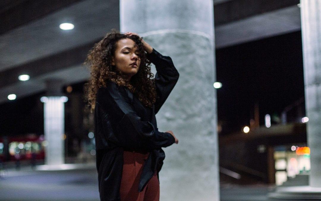 'Your name keeps coming back, like an old track' – Caroline Alves' new single softly smoulders